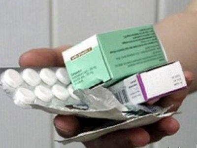 Жилконтора обеспечила лекарствами мужчину, пострадавшего из-за глыбы снега