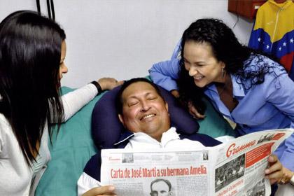 Чавес вернулся в Венесуэлу после операции