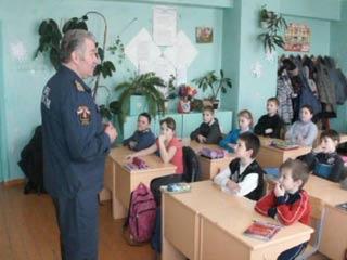 Сотрудники ГИМС поиграли в «Небылицы» со школьниками из Духовщины
