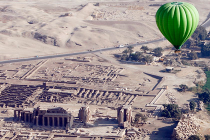 В Египте упал воздушный шар с 20 туристами