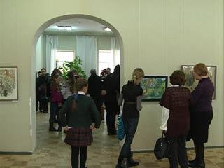 В Смоленске открылась выставка Веры Козиковой