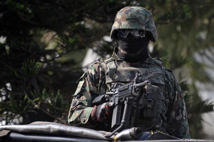 Морская пехота Мексики освободила сотню центральноамериканских мигрантов
