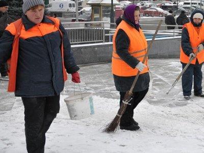 Смоленским домоуправлениям дали три дня на очистку крыш от снега
