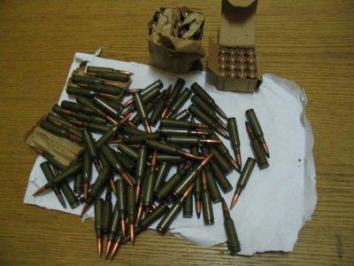 Подозреваемого в краже привлекли за незаконное хранение боеприпасов