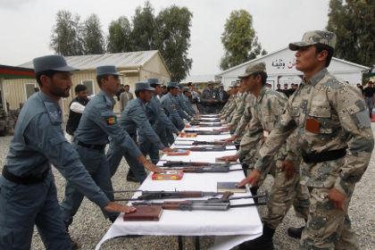 На полицейское управление в Афганистане напали семь смертников
