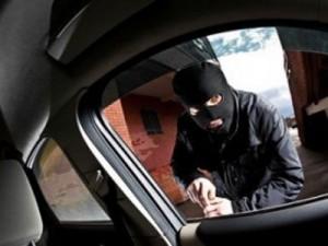 Смолянин напал на жителя Подмосковья и угнал его машину