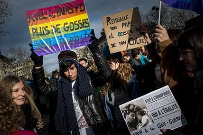 Сенат Франции легализовал однополые браки
