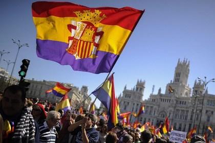 На демонстрацию против монархии вышли тысячи испанцев
