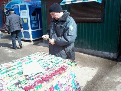 Белорусы завезли в Смоленск под видом семян мусор в красивых пакетиках