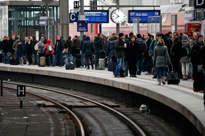 Бомба времен Второй мировой нарушила движение поездов в Берлине