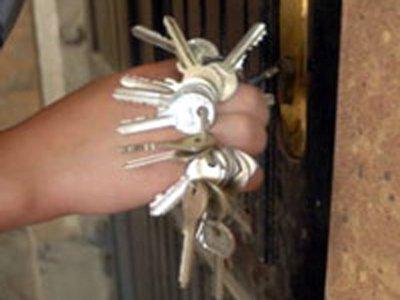Обитатель общежития путем подбора ключей обворовывал соседей