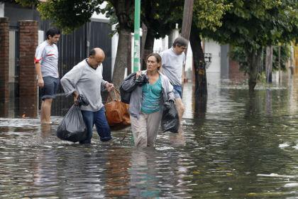Жертвами наводнения в Аргентине стали 54 человека