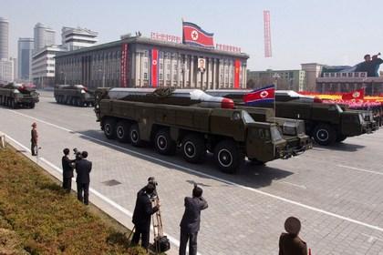 КНДР заподозрили в перемещении баллистической ракеты