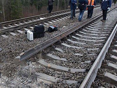 Троица безработных стащила с железнодорожных путей рельсы