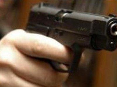 Двое приятелей решили проучить знакомого, похитив его под угрозой пистолета