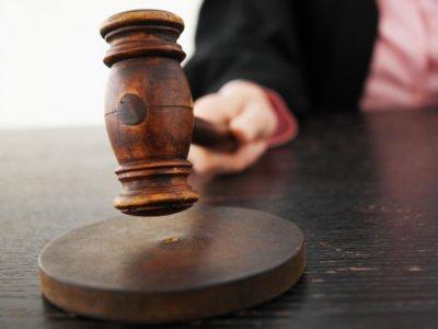 Суд отменил первый выговор Николаю Алашееву