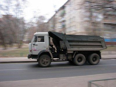 КамАЗ «отправил» пешехода в реанимацию