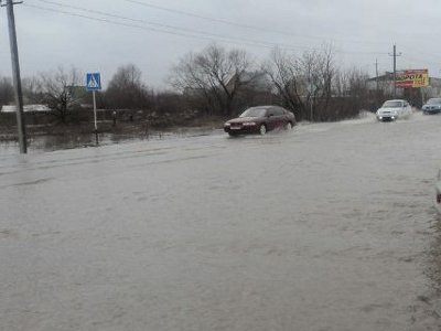 Из-за паводка отрезанными оказались два населенных пункта