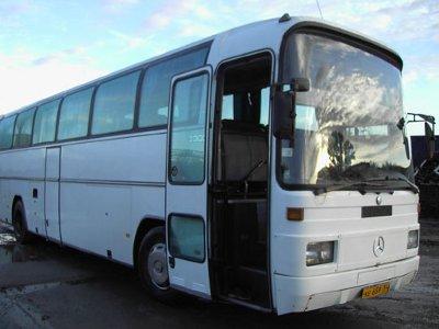 Два немецких автобуса не поделили федеральную трассу