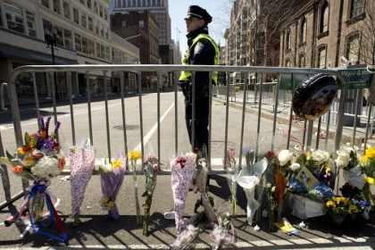 В результате теракта в Бостоне погиб гражданин Китая