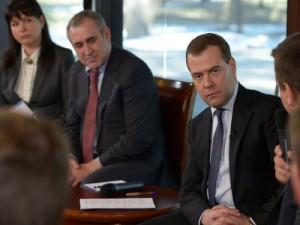 Медведев обещал помочь со строительством ФОКа и водопровода