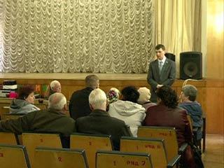 Депутат Артем Малащенков встретился с жителями Смоленского района