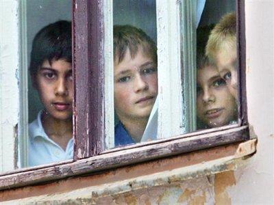 На жилье для сирот не хватает более двухсот миллионов рублей