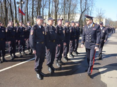 Пять тысяч полицейских будут следить за порядком на майских праздниках