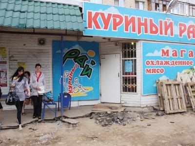Несговорчивые ларечники тормозят ремонт улицы Кирова