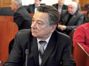 Единороссы осудили поведение Данилюка, незаконно уволившего Алашеева