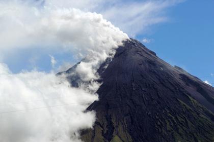 При извержении филиппинского вулкана погибли пять альпинистов