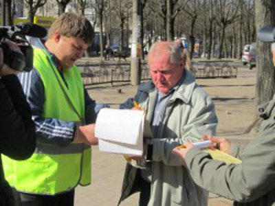 Обращение к губернатору о ремонте дорог в Ярцеве собрало 4,5 тысячи подписей