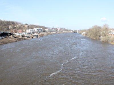 Разлившийся Днепр в Смоленске затопил несколько приусадебных участков