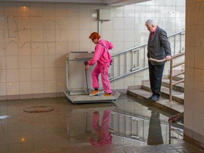 На площади Победы затопило подземный переход