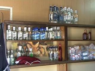В Смоленской области борются с торговлей контрафактным алкоголем