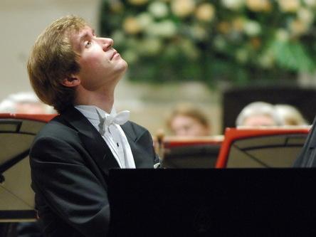 На фестиваль им. М.И. Глинки в Смоленске везут рояль