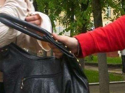 Деньги на дозу наркоман раздобыл, отобрав кошелек у 82-летней старушки