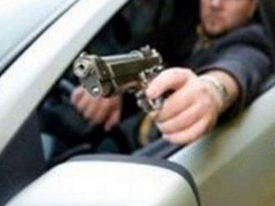 Конфликт водителей на дороге закончился стрельбой