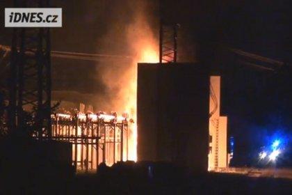 Из-за взрыва на подстанции половина Праги осталась без электричества