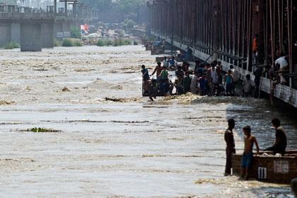 В результате наводнений в Индии погибли 138 человек