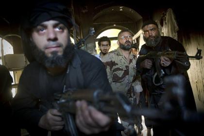 Сирийские повстанцы захватили КПП на границе с Израилем