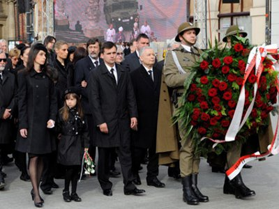 Польша недовольна затягиванием открытия памятника под Смоленском
