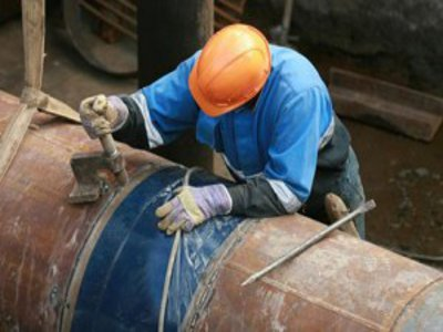Выявленные при испытаниях дыры заставили продлить срок ремонта тепломагистрали-3
