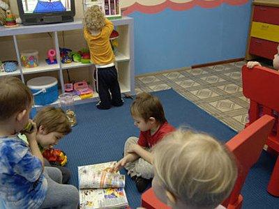 Заведующая детсада и бухгалтер нажились на повышении зарплат воспитателям