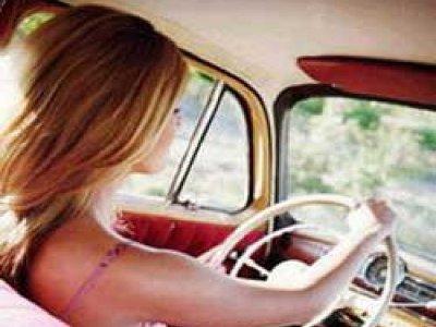 Юная автоледи-лихачка покалечилась вместе с приятелем