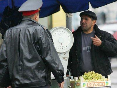 Облава на Заднепровском рынке увенчалась поимкой нелегалов