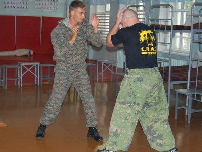 Спецназовцев учили нетрадиционным методам подавления бунтов в колониях