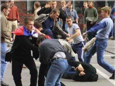 Работники ночного клуба избили буйных посетителей