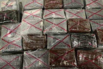 Венесуэльских гвардейцев арестовали за отправку кокаина во Францию