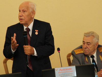 Среди почетных гостей на приеме у мэра был «гэкачепист» Анатолий Лукьянов